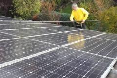 Solar-Photovoltaik-Reinigung-Dach