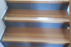 Rutschhemmung-Holz-Treppe-R12-Haustiere